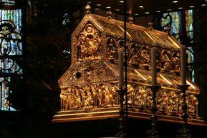 Relikwiarz Trzech Króli w katedrze w Kolonii.[888]